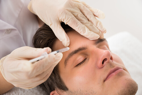 young man having botox treatment at beauty clinic-img-blog